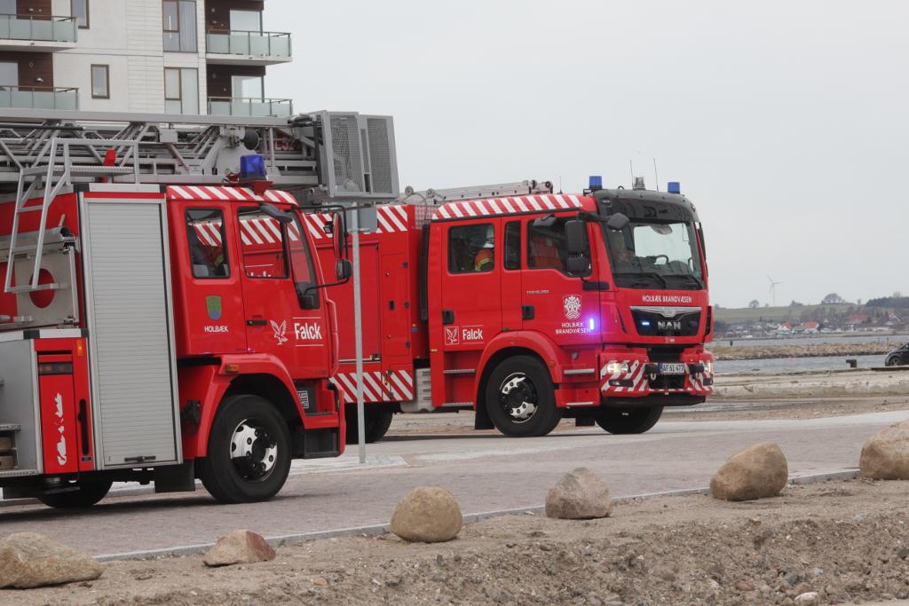 Brandvæsnet rykkede ud til plejecenteret Fjordstjernen, hvor en ABA var gået i gang. Foto: Rolf Larsen.