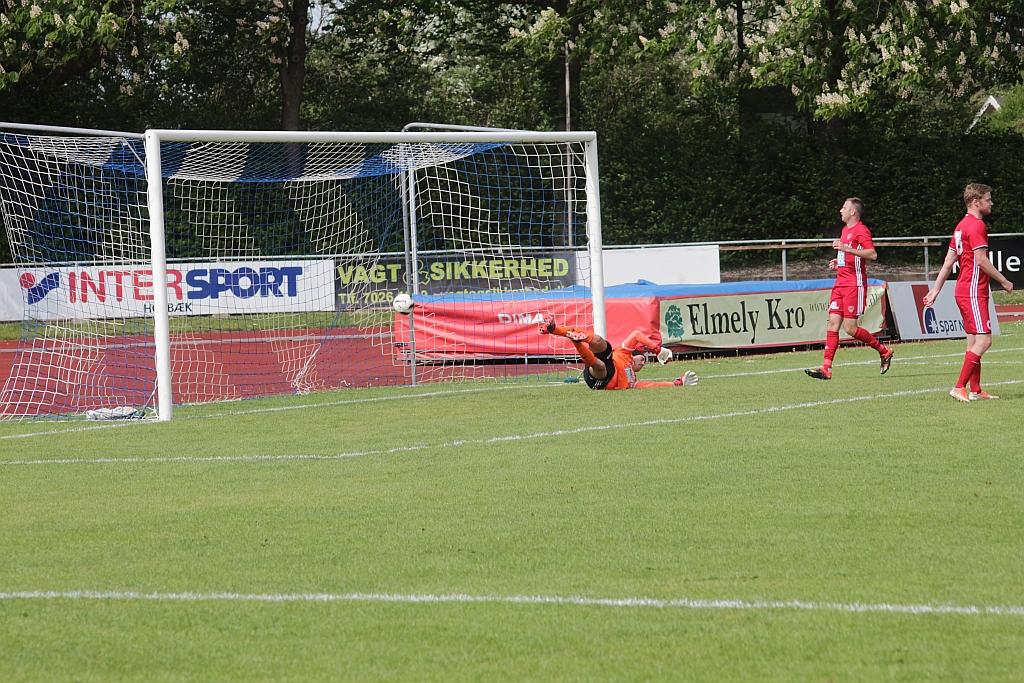 Mohammed Asrihi scorer til 1-0 for Holbæk. Foto: Rolf Larsen.