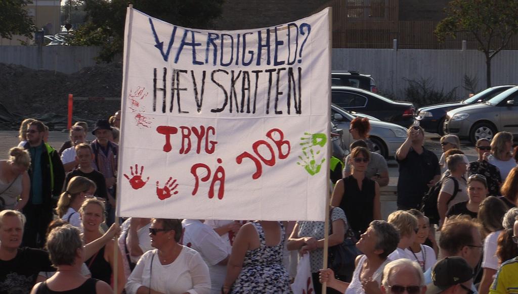 Omkring 500 mennesker deltog ved Velfærdsalliancens demonstration. Foto: Michael Johannessen.