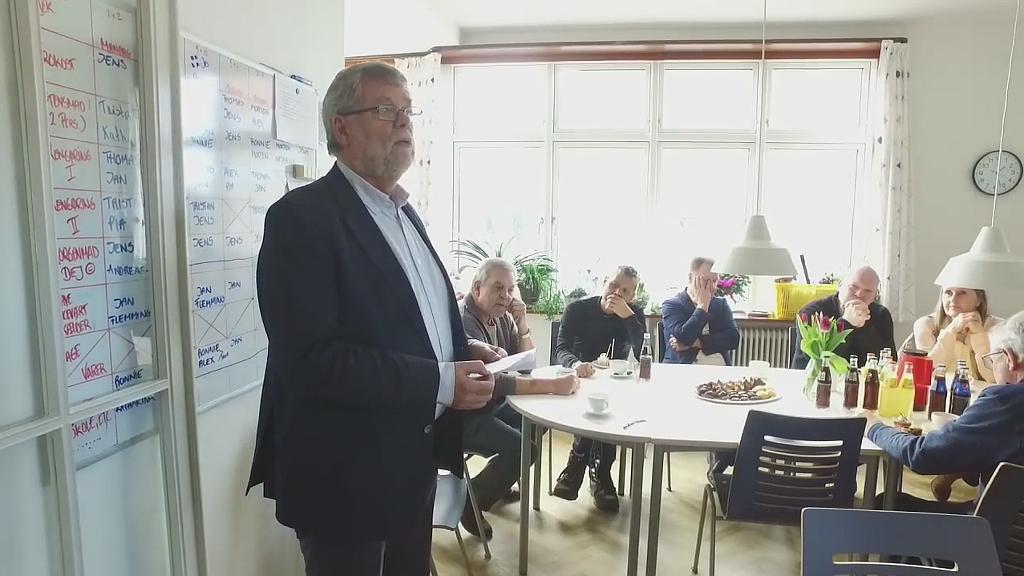 Willy Lisby (V) taler ved Karlsvognens 25 års jubilæum. Foto: Jesper von Staffeldt.