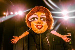 Teatret Fairplay har selv haft stor succes med forestillingen Miras Verdener. Foto: David Trood.