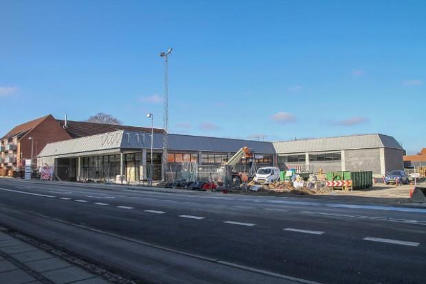 Der arbejdes på højtryk for at blive klar til åbningen af den nye Aldi den 18. marts. Foto: Morten Sundgaard.