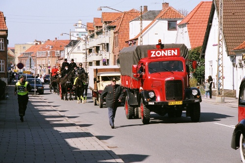 Andelslandsbyen åbner på lørdag med et festlig optog gennem Holbæk. PR Foto.