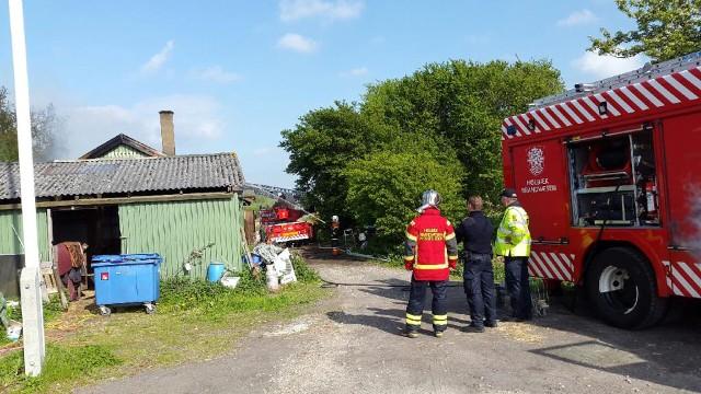 Fredag eftermiddag udbrød der brand i Bårup   Møbel Snedkeri. Foto: Michael Johannessen.