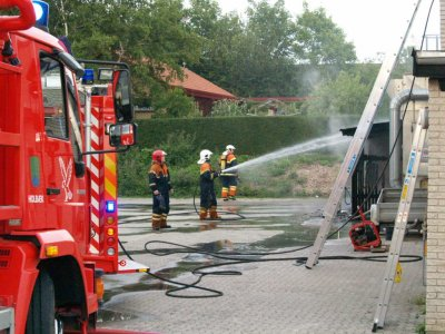 Brand i skur på Mellemvang. Foto: Freelancefotografen.dk