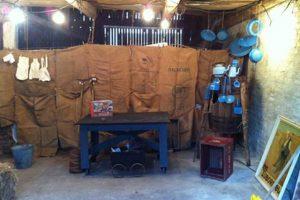 Der er børneteater i laden hos Den lille Gårdbutik på Gl. Skovvej. Foto: Den lille Gårdbutik.