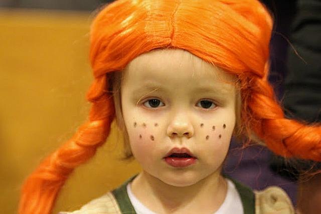 Pippi langstrømpe var også med til fastelavnsfesten i orø hallen