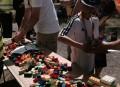 På Holbæk Kommunes bod på Folkemødet, kunne man bygge med Lego-klodser. Foto: TV Vestsjælland.