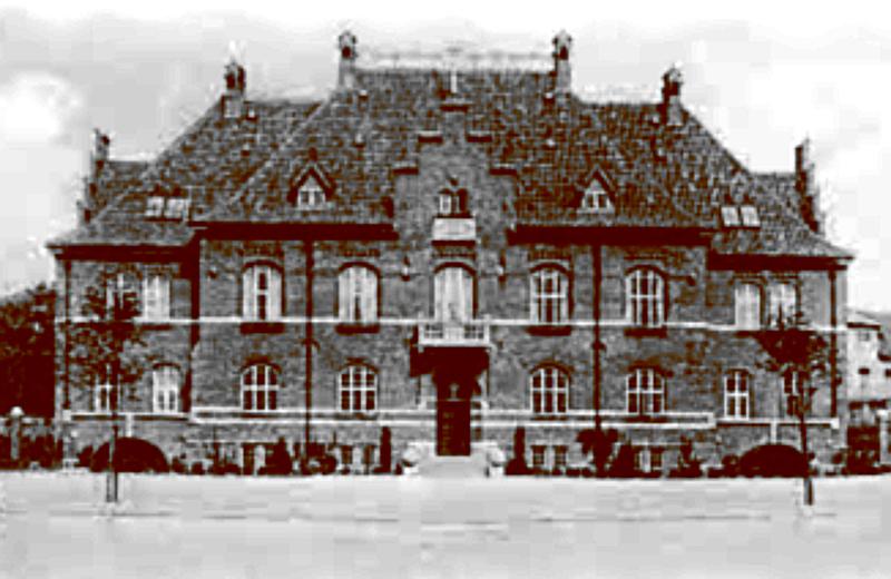 Landsretten rejste til Holbæk og nedsatte sig i Rådhuset.
