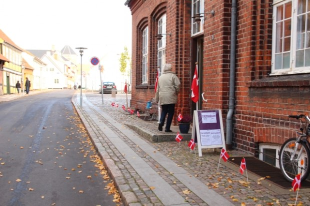 Kirkens Korshærs varmestuen fejrer sin 26 års fødselsdag i dag.  Billedet her er fra Kirkens Korshærs 100 års fædselsdag. Foto: Jesper von Staffeldt.