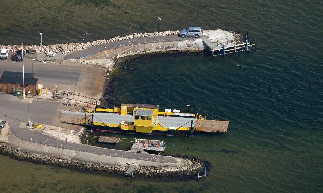 Både Orø-Holbæk færgen og her Østrefærge indstiller sejladsen på grund af det voldsomme vejr. Arkivfoto: Jesper von Staffeldt.