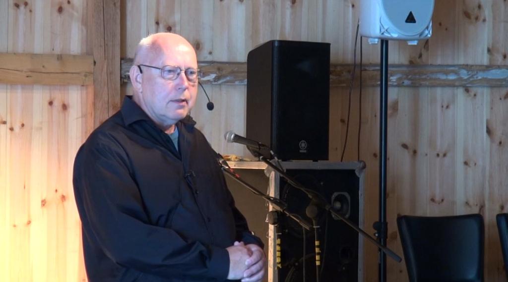 Peter Krintel er en dygtig fortæller. Se ham i Holbaekonline.dks udsendelse på LokalKanalen.