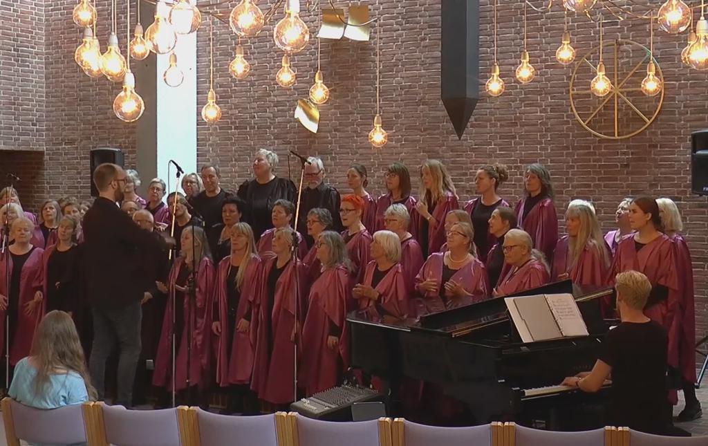 Roskilde Gospelsingers er blandt de optrædende ved julekoncerten den 20. november.