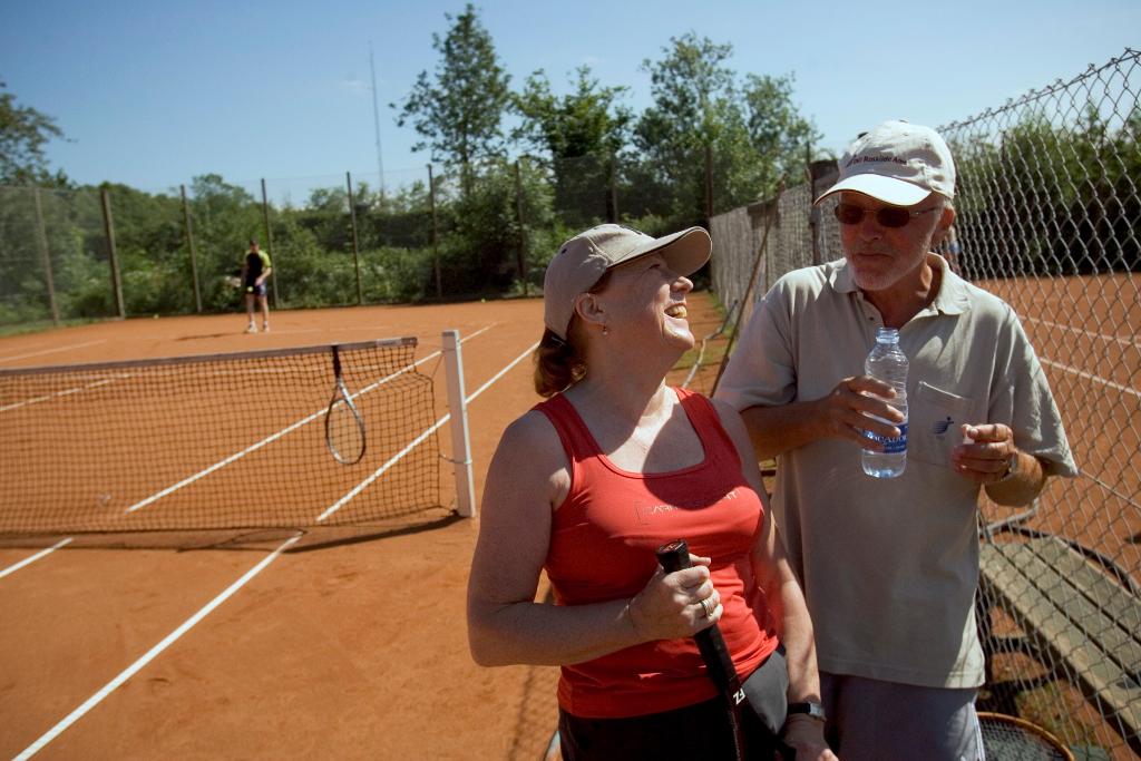 Holbæk Tennisklub vil gerne have flere over 60 år ti at spille i klubben (PRfoto)