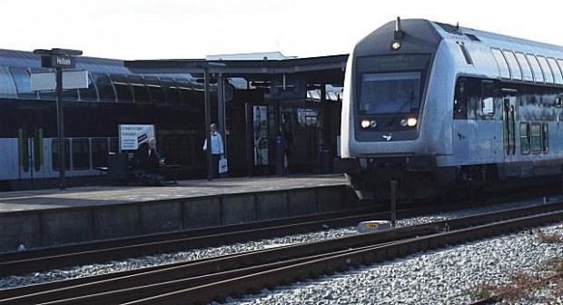 Pendlerne må endnu engang væbne sig med tålmodighed: DSB forlænger aflysningen af to afgange på Nordvestbanen. Foto: Rolf Larsen.
