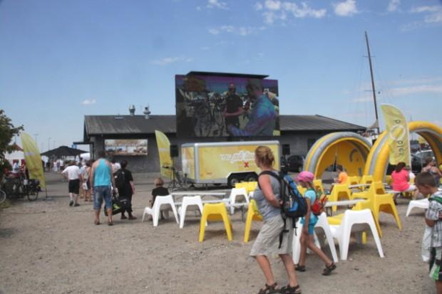 Der var ikke mange besøgende på havnen i forbindelse med TV2 på tour. Foto: Rolf Larsen.