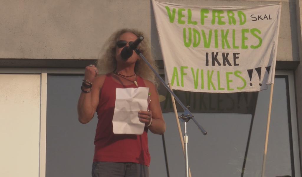 Næstformand i Pædagogisk Sektor i FOA Sjælland René Strunch var blandt talerne ved Velfærdsalliancens demonstration den 15. september. Onsdag demonstreres der igen. Foto: Michael Johannessen.