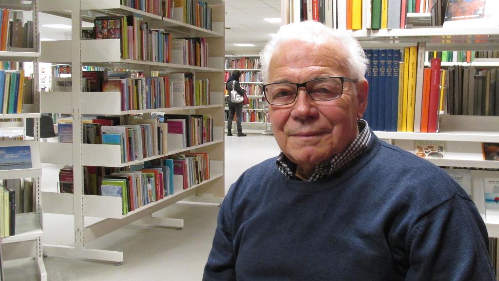 Søren Wolstrup fortæller om politik i Holbæk Kommune i de seneste 10 år. Foto: Rolf Larsen.